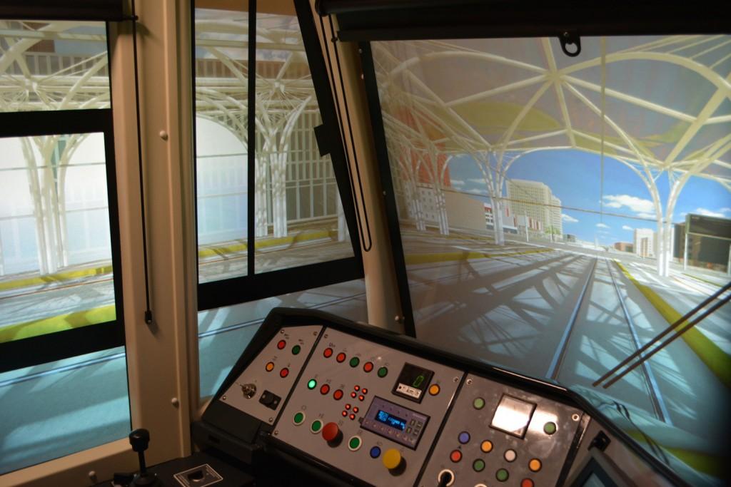 Projekcja secnerii w symulatorze tramwaju